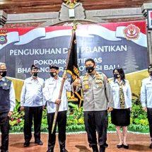Pokdarkamtibmas Bhayangkara Bali Dikukuhkan, Irjen Golose: Bantu Rakyat Pakai Masker