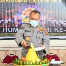 Potong Tumpeng Tandai Peringatan HUT Humas Polri Ke-69 di Polda Bali