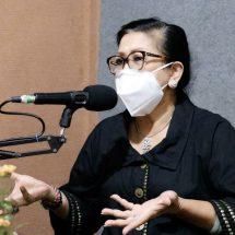 Ny. Putri Koster Ajak Warga Ambil Hikmah dari Pandemi Covid-19 Ini
