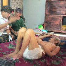 Menderita Lumpuh, Paslon AMERTA Jenguk Pemangku Pura Kahyangan Desa Adat Panjer