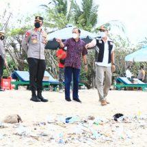 Gubernur Koster dan Kapolda Bali Pantau Penerapan Protokol Kesehatan di Destinasi Wisata Kabupaten Badung