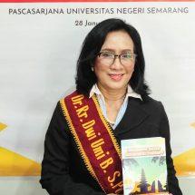 Raden Roro Dwi Umi Badriyah Raih Doktor Inovasi BK