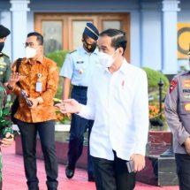 Presiden Bertolak ke Maluku Utara, Resmikan Terminal Bandara Kuabang dan Tinjau Vaksinasi Massal