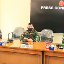 Kapuspen: TNI Kerahkan 21 KRI Cari Kapal Selam Nanggala-402