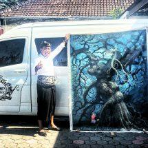 "Hari Lingkungan Hidup Sedunia, Gus Adhi Dihadiahi Lukisan ""Doa Alam"""