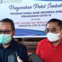 Penanggulangan Covid-19, BI Bali Serahkan Bantuan 1.000 Paket Sembako kepada DPN Peradah