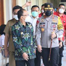 Kapolda Bali Kontrol Vaksinasi Covid-19 bagi Anak Usia 12 Tahun Keatas